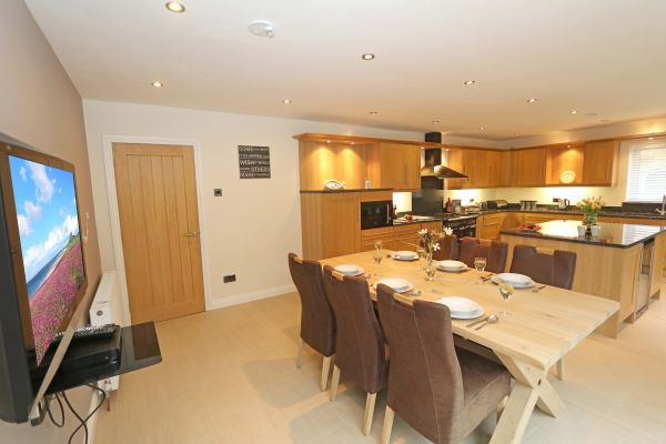 Quarry Haven, Bamburgh, kitchen with dining area
