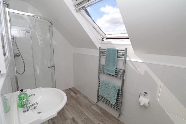 Riverside, Alnmouth, en-suite bathroom to master