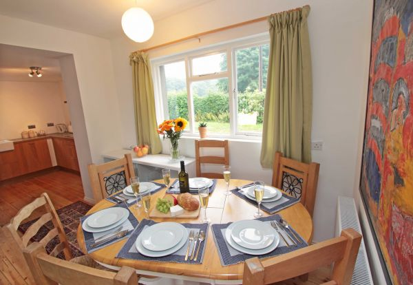 Rock Moor Farm Cottage, dining area with seating for 6 guests