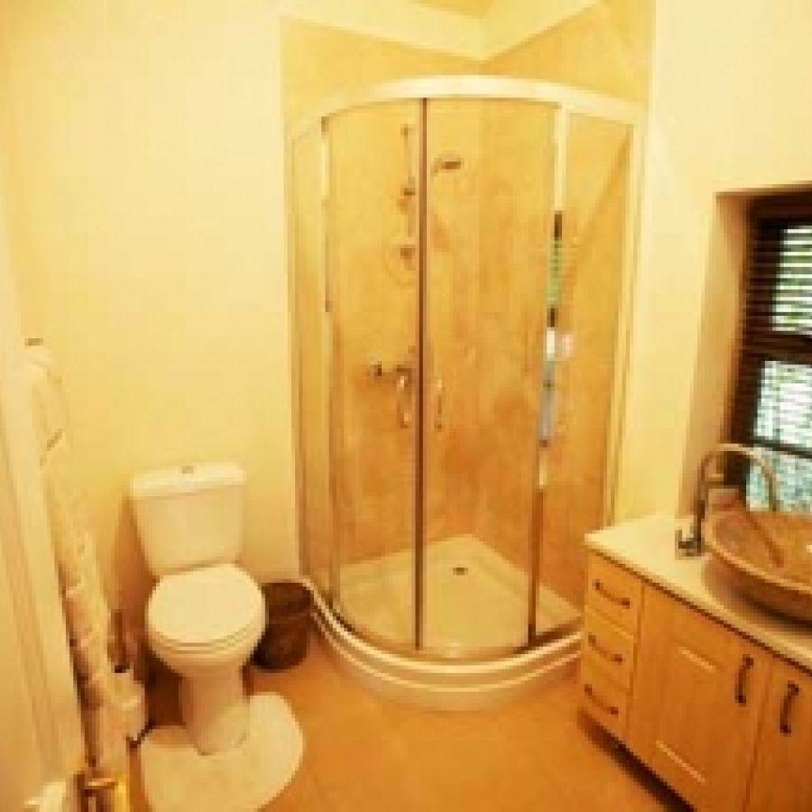 Runrig shower room