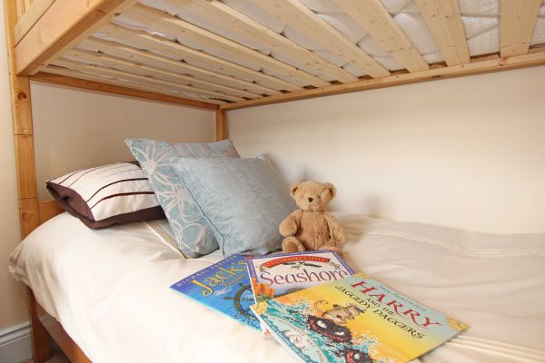 Sandy Toes Cottage - bunk bedroom perfect for children