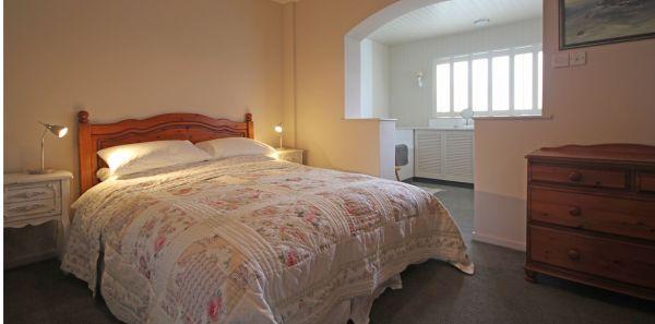 Sandycott master bedroom