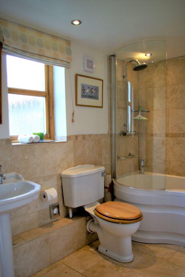 Cuddy's Croft Bathroom