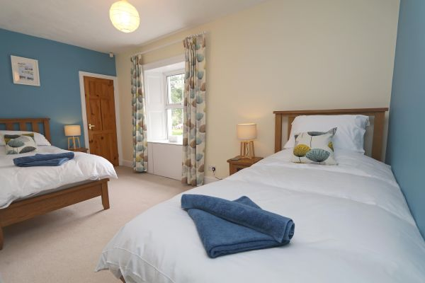 Star House, Rothbury - twin bedroom