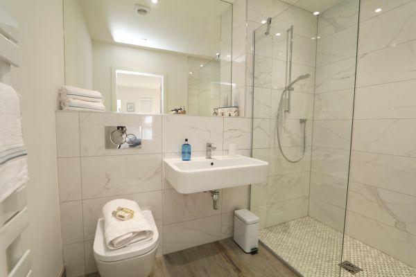Still Waters,  Amble, en-suite shower room
