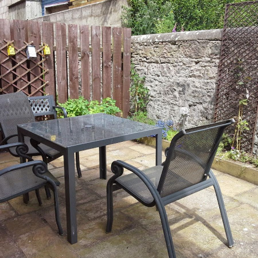 Templars sheltered garden with bbq