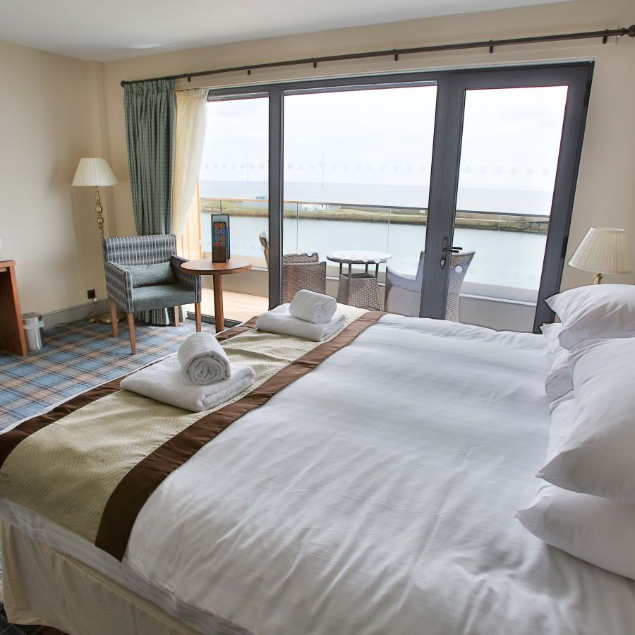 A premier sea view room with balcony