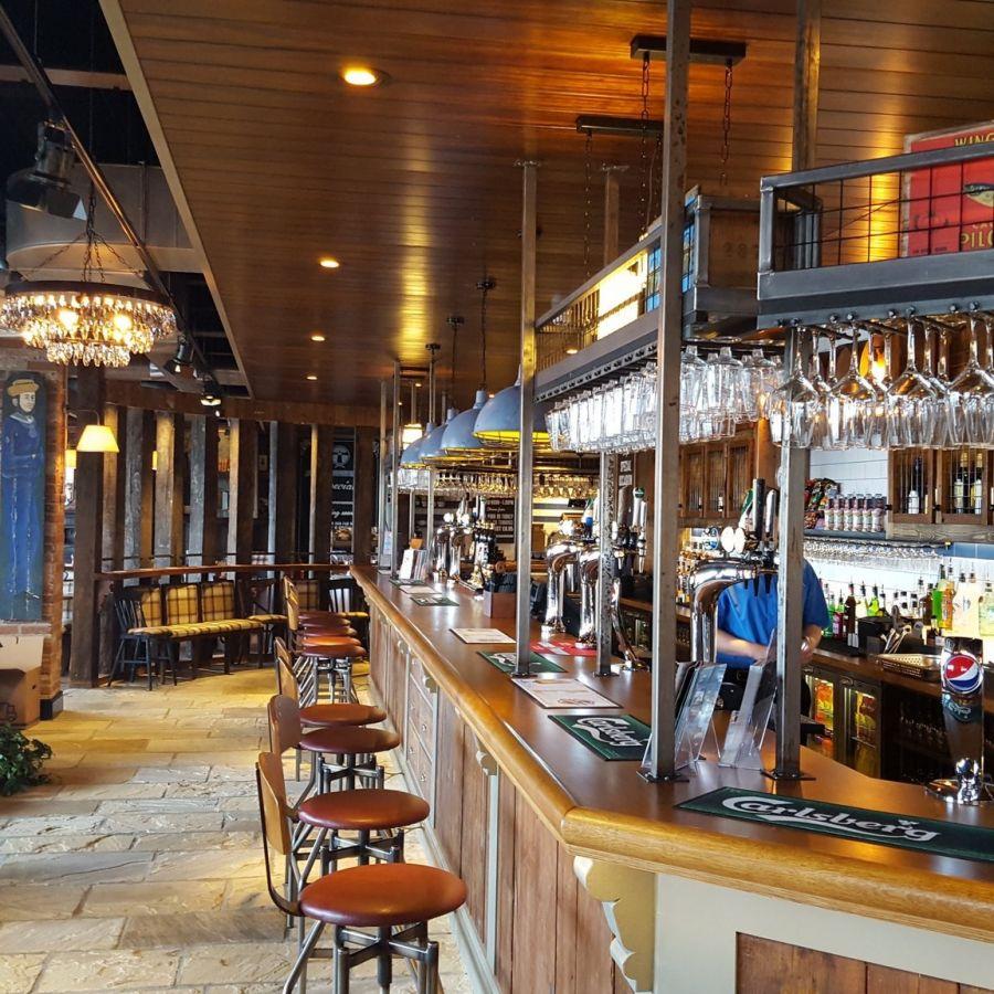 The Commissioners Quay Inn bar