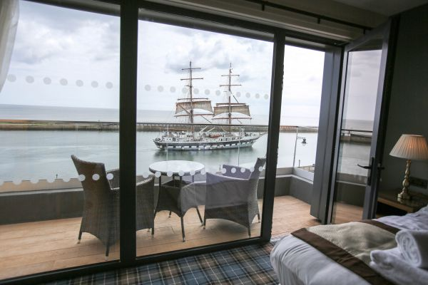The Commissioners Quay Inn at Blyth is perfect for ship watching