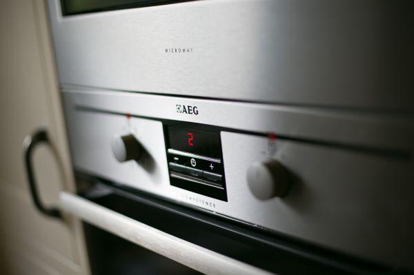 Garden Cottage Oven AEG