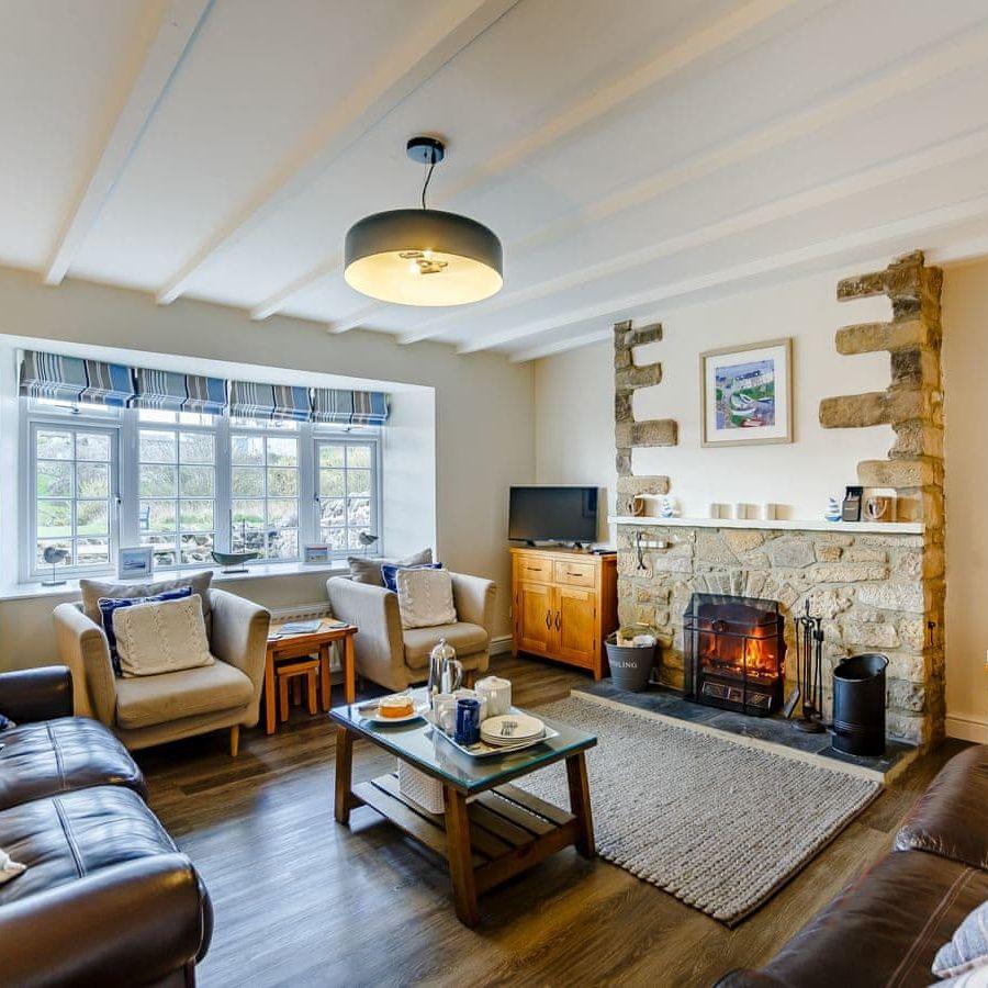 The Porthole-Living room