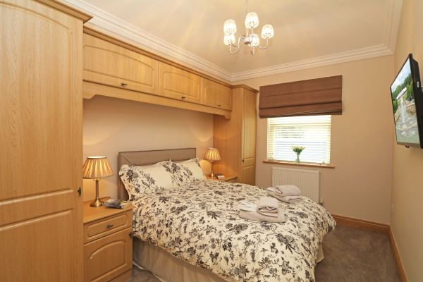 Thornbrae Lodge, master bedroom