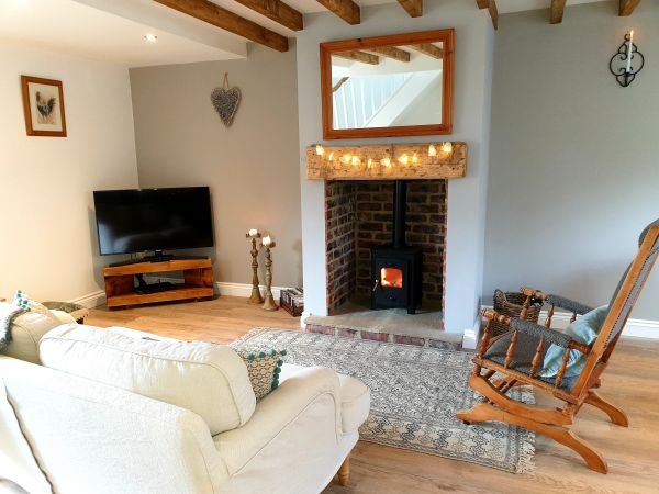 Aquila Cottage Lounge