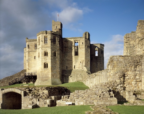 Castle and Keep is near Northumbria Coast & Country Cottages Ltd