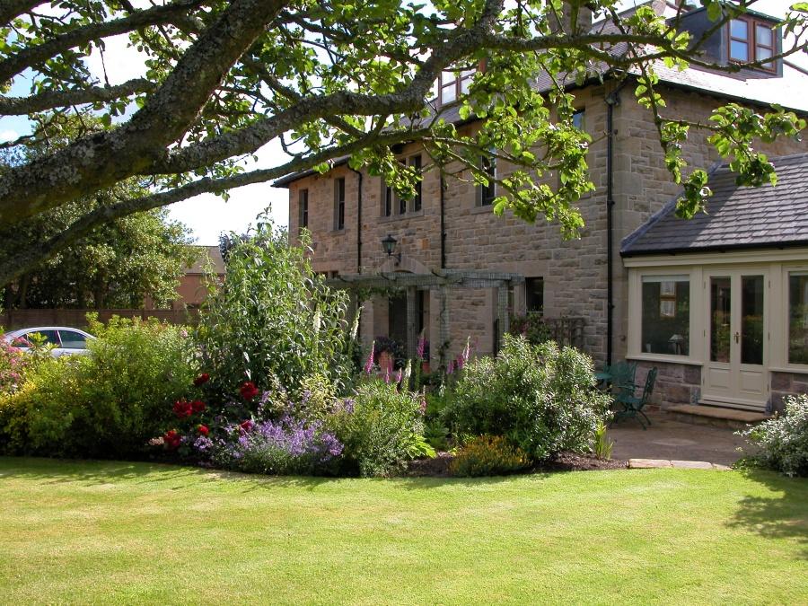 House via Appletree lawn