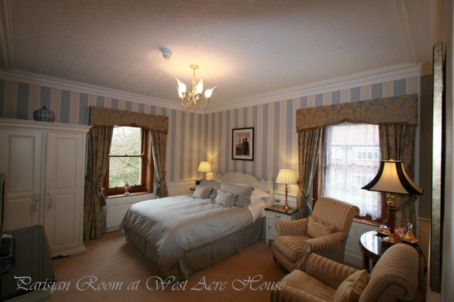 West Acre - Parisan Room