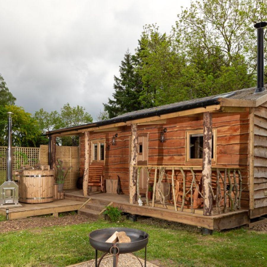 Saddler's Cabin Outside