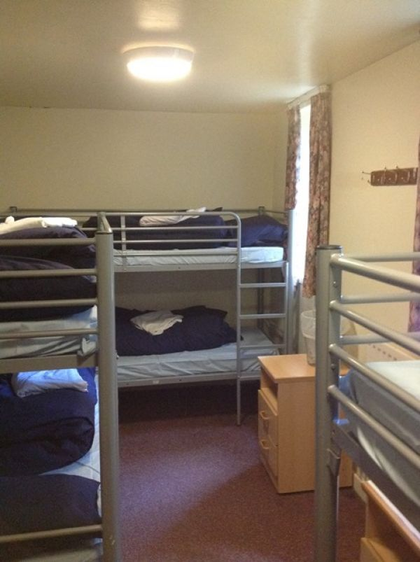 6 Bed