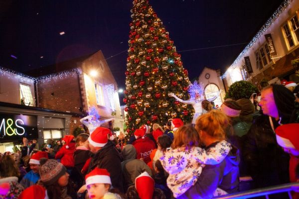 Hundreds turn out to celebrate tree-mendous Lights Switch On at Sanderson Arcade