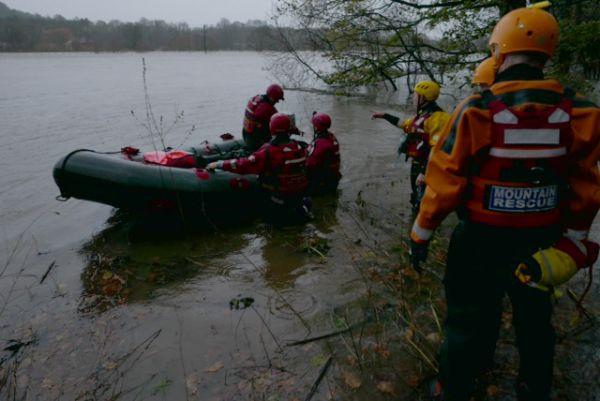 NNP Mountain Rescue Team evacuate family from farm house near Hexham