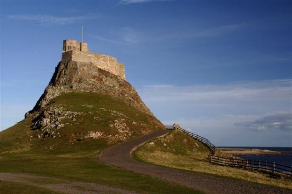 Hidden wall paintings discovered at Lindisfarne Castle
