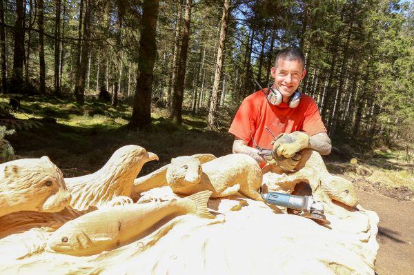 Wonderful wildlife seat wows walkers at Kielder